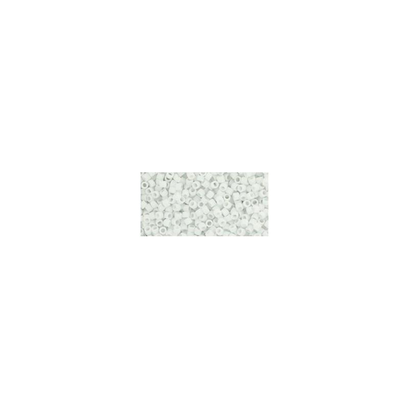 TT-01-41F Opaque-Frosted White TOHO Treasures Seemnehelmed
