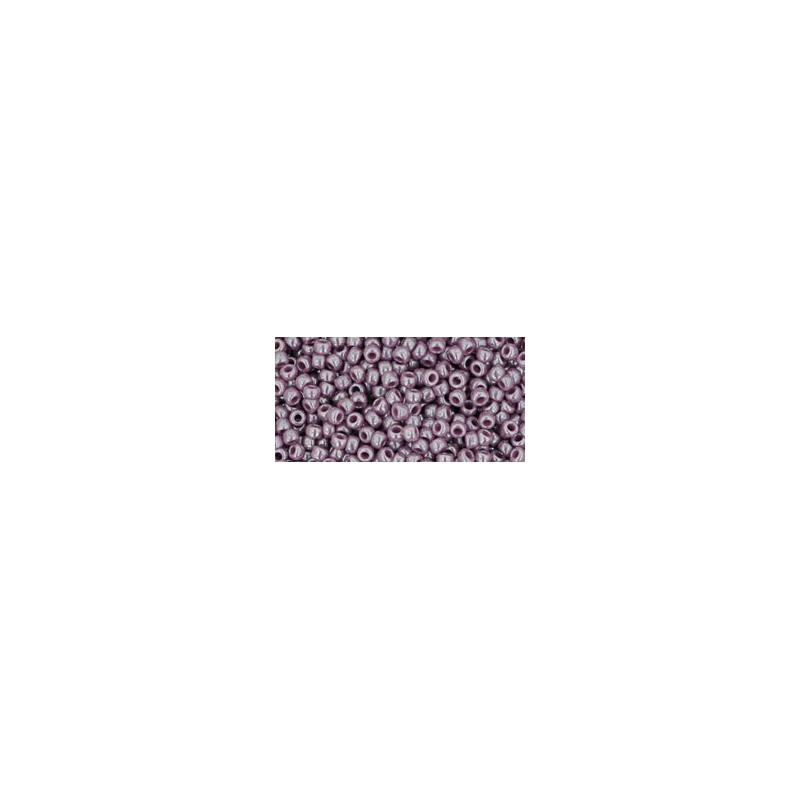 TR-11-133 OPAQUE-LUSTERED LAVENDER SEED BEADS