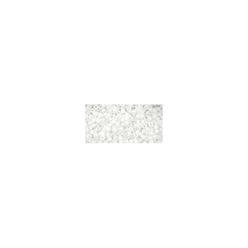 TT-01-41 Opaque White TOHO Treasures Seemnehelmed