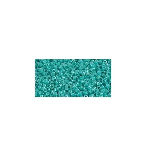 TT-01-132 Opaque-Lustered Turquoise TOHO Treasures Seemnehelmed